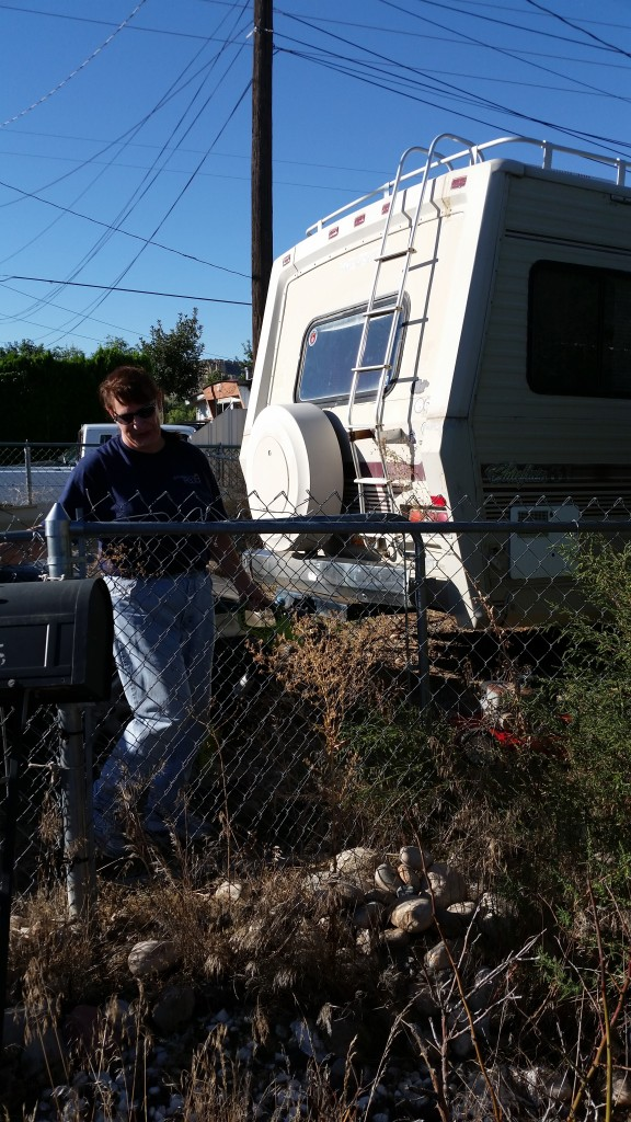 FPD Code Compliance Yard Cleanup 9-26-15 (15)