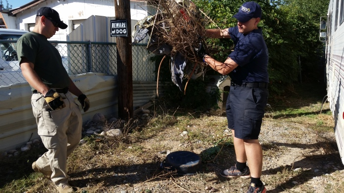 FPD Code Compliance Yard Cleanup 9-26-15 (19)